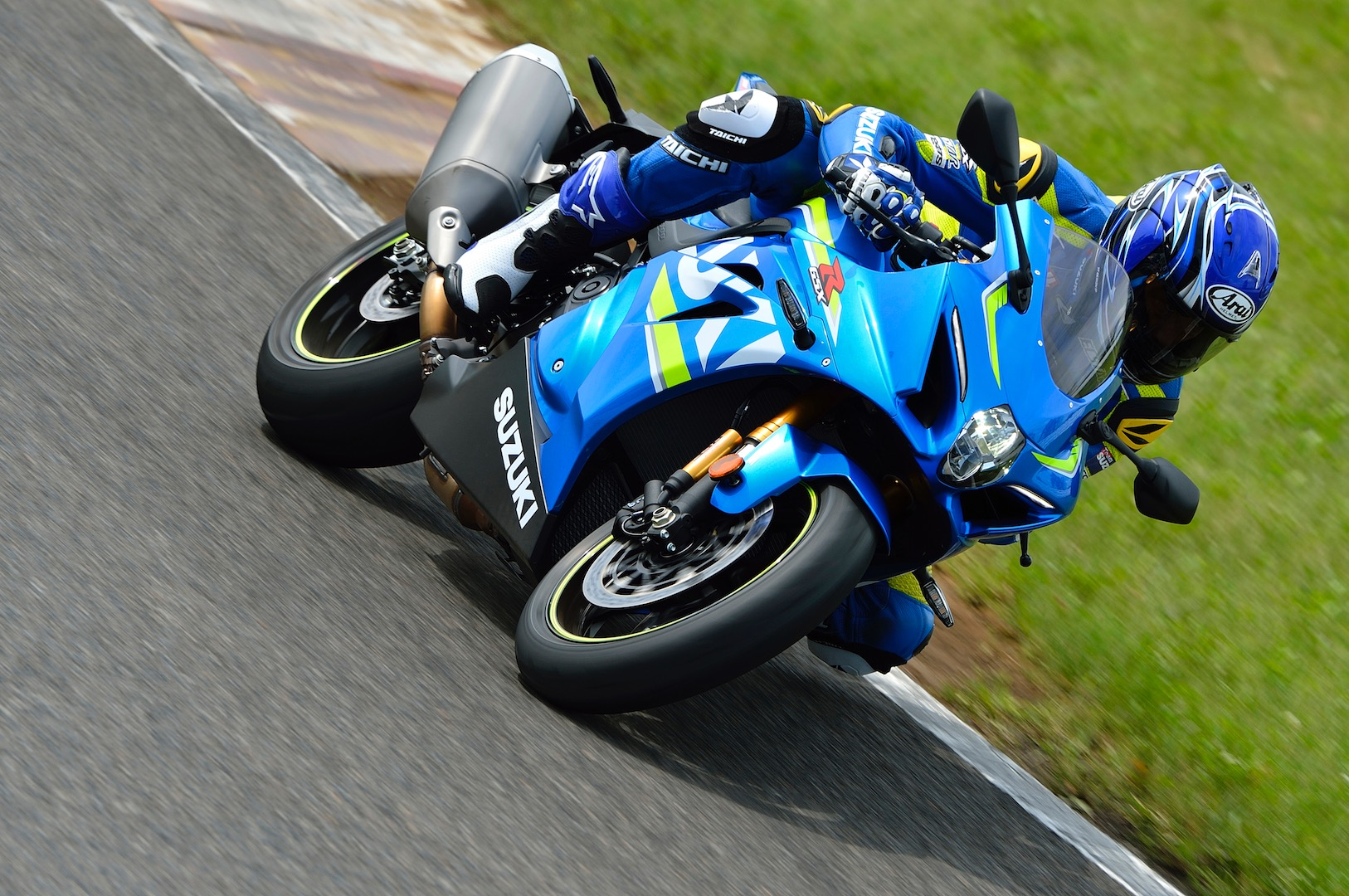2017-Suzuki-GSX-R100-First-Look-Preview-5